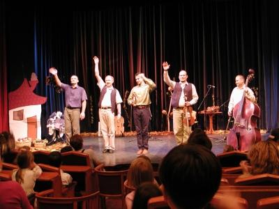 Kolompos a színpadon